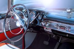 Interior de um carro clássico imagem de stock royalty free