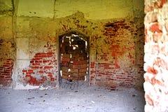 Interior de um castelo abandonado velho Imagem de Stock Royalty Free