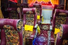 Interior de um ônibus foto de stock royalty free