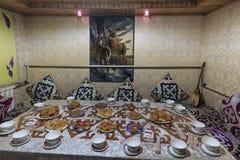 Interior de uma casa de Hasake, uma das 56 minorias étnicas em China Fotos de Stock