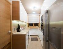 Interior de uma cozinha moderna Imagem de Stock Royalty Free