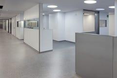 Interior de uma emergência do hospital Fotos de Stock