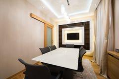 Interior de uma sala de jantar moderna Imagem de Stock Royalty Free