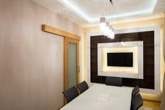 Interior de uma sala de jantar moderna Fotos de Stock Royalty Free