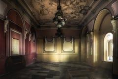 Interior de un casino abandonado Imagen de archivo libre de regalías