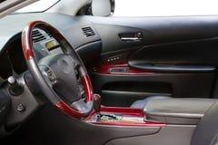 Interior de un coche de lujo Fotos de archivo libres de regalías