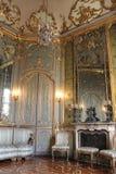 Interior de un cuarto en el palacio histórico de Litta Fotos de archivo libres de regalías