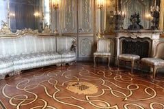 Interior de un cuarto en el palacio histórico de Litta Imagenes de archivo