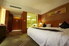 Interior de un cuarto en hotel imagen de archivo