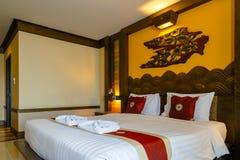Interior de un dormitorio adornado con estilo tradicional tailandés septentrional Fotos de archivo