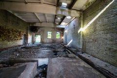 Interior de un hospital soviético abandonado viejo Foto de archivo