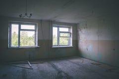 interior de un hospital soviético abandonado viejo - effe de la película del vintage Imagenes de archivo