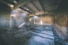 interior de un hospital soviético abandonado viejo - effe de la película del vintage Fotografía de archivo