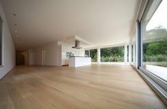 Interior de una casa moderna Imagen de archivo libre de regalías