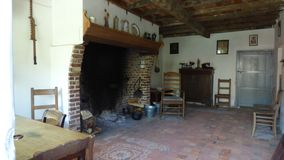 Interior de una granja vieja imágenes de archivo libres de regalías