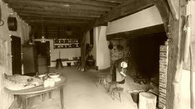 Interior de una granja vieja imagenes de archivo