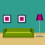 Interior de una sala de estar Sitio con un sofá, las lámparas y las pinturas Fotografía de archivo