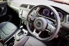 Interior de Volkswagen Tiguan R 2017 fotografia de stock