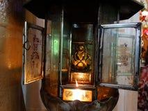 Interior de Wat Phnom, el más viejo templeof Phnom Penh - capital de Camboya Foto de archivo libre de regalías