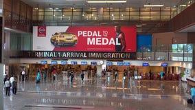 Interior del aeropuerto de Changi almacen de metraje de vídeo