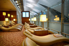 Interior del aeropuerto de Dubai International Foto de archivo