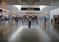 Interior del aeropuerto internacional de McCarran, Las Vegas foto de archivo