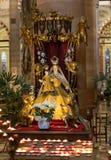 Interior del ` Anastasia Church de Sant en Verona, imagenes de archivo