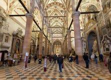Interior del ` Anastasia Church de Sant en Verona foto de archivo libre de regalías