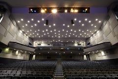 Interior del auditorio del cine. fotografía de archivo libre de regalías