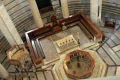 Interior del baptisterio de Pisa Fotografía de archivo libre de regalías