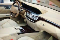 Interior del Benz S 550 de Mercedes Fotografía de archivo