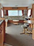 Interior del carro de la caravana, sala de estar principal. Imágenes de archivo libres de regalías