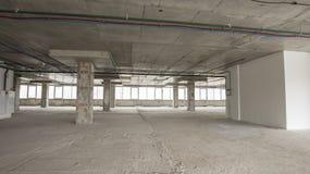 Interior del centro de negocios bajo construcción Fotografía de archivo libre de regalías