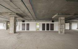 Interior del centro de negocios bajo construcción Imagenes de archivo