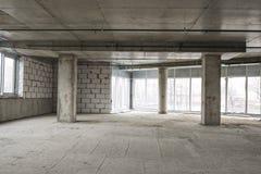 Interior del centro de negocios bajo construcción Imagen de archivo libre de regalías