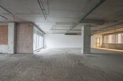 Interior del centro de negocios bajo construcción Imagen de archivo