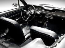 Interior del coche de deportes de la obra clásica Foto de archivo libre de regalías