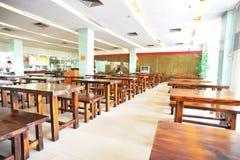 Interior del comedor de la escuela Imagen de archivo libre de regalías