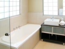 Interior del cuarto de baño Foto de archivo libre de regalías