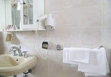Interior del cuarto de baño del hotel Foto de archivo libre de regalías