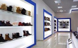 Interior del departamento de zapato Foto de archivo libre de regalías