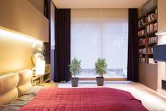 Interior del dormitorio moderno del estilo Fotografía de archivo