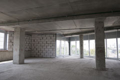 Interior del edificio bajo construcción Fotos de archivo libres de regalías