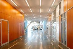 Interior del edificio de oficinas Fotos de archivo libres de regalías