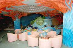 Interior del este del restaurante hermoso, tema del agua, Acapulco, México Imágenes de archivo libres de regalías