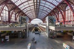 Interior del ferrocarril principal de Amberes Fotos de archivo