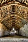 Interior del granero de diezmo, cerca del baño, Inglaterra foto de archivo