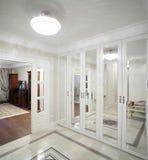 Interior del hogar brillante del vestíbulo Imagen de archivo
