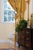Interior del hogar con la oficina antigua Foto de archivo libre de regalías