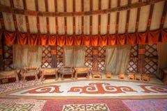 Interior del inMongolia magnífico de Ger del rey foto de archivo